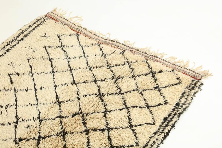 Hand-Woven Vintage Beni Ourain Moroccan Rug For Sale