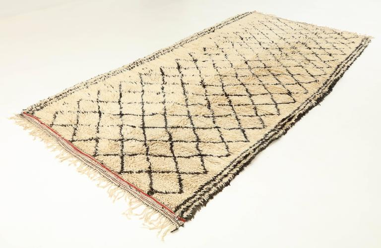 Rug, Moroccan, Beni Ourain, Vintage In Excellent Condition For Sale In New York, NY