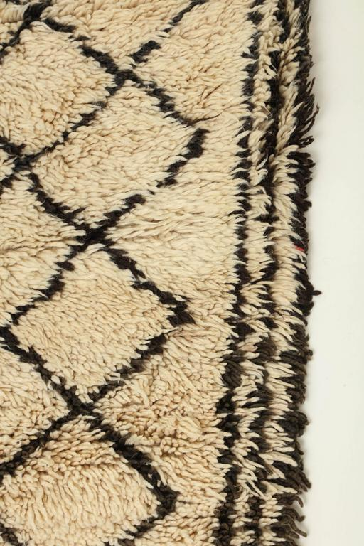 Vintage Beni Ourain Moroccan Rug For Sale 2