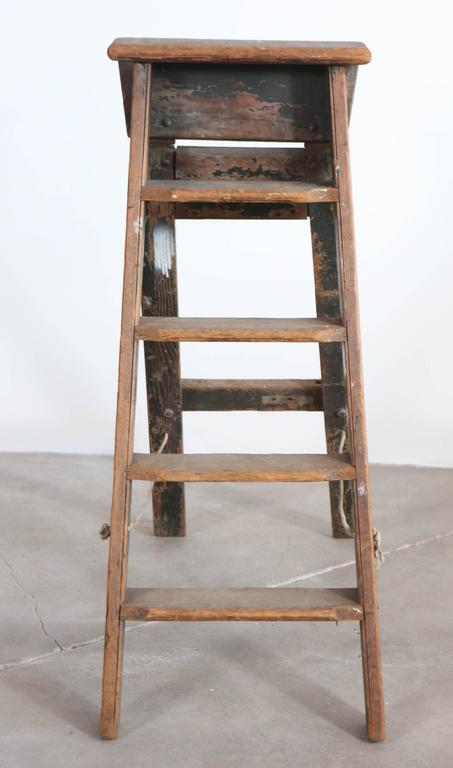 Rustic Five-Step Wooden Ladder In Distressed Condition For Sale In Los Angeles, CA