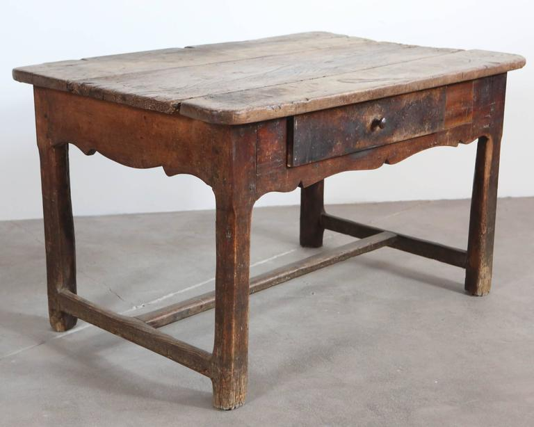 Rustic Primitive French Table In Distressed Condition For Sale In Los Angeles, CA