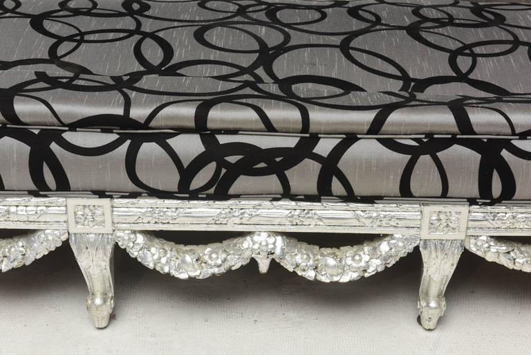 Wedding Loveseat West Indies Mahogany Silver Leaves Finish, 19th Century Sofa In Good Condition In Miami, FL