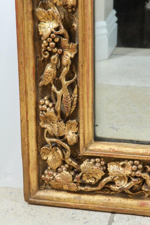 18th Century and Earlier 18th Century English Carved Giltwood Mirror For Sale
