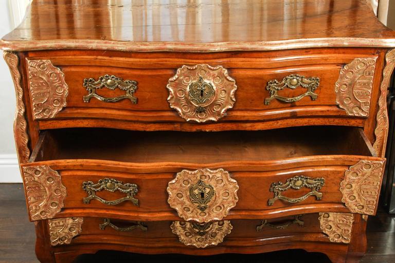 18th Century Lyonaise Three Drawer Walnut Commode For Sale 2