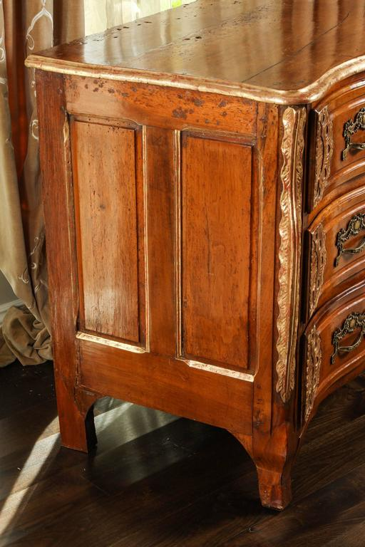 18th Century Lyonaise Three Drawer Walnut Commode For Sale 3