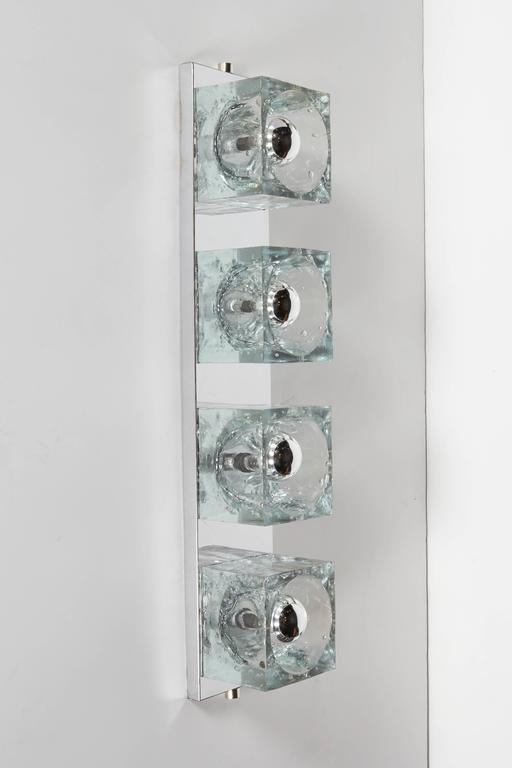 Late 20th Century Mid-Century Modern Wall Light with Cubist Design by Gaetano Sciolari For Sale