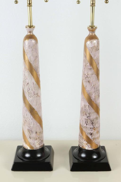 Pair of Elegant Ceramic Table Lamps In Excellent Condition For Sale In New York, NY