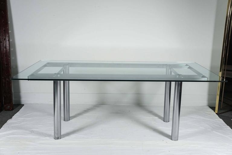 Andre dining table,
