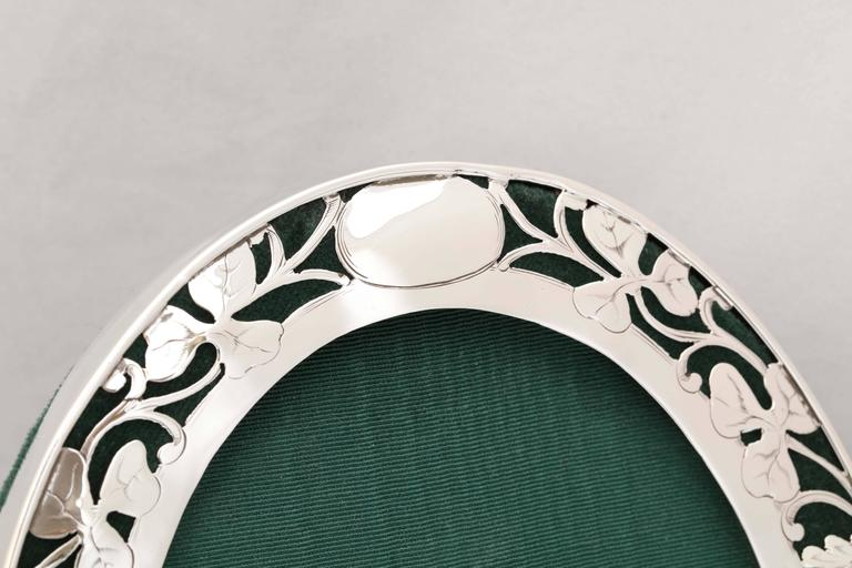Early 20th Century Art Nouveau Sterling Silver Pierced Footed Oval Picture Frame For Sale