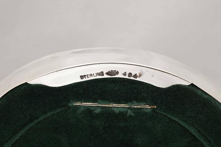 Art Nouveau Sterling Silver Pierced Footed Oval Picture Frame For Sale 3