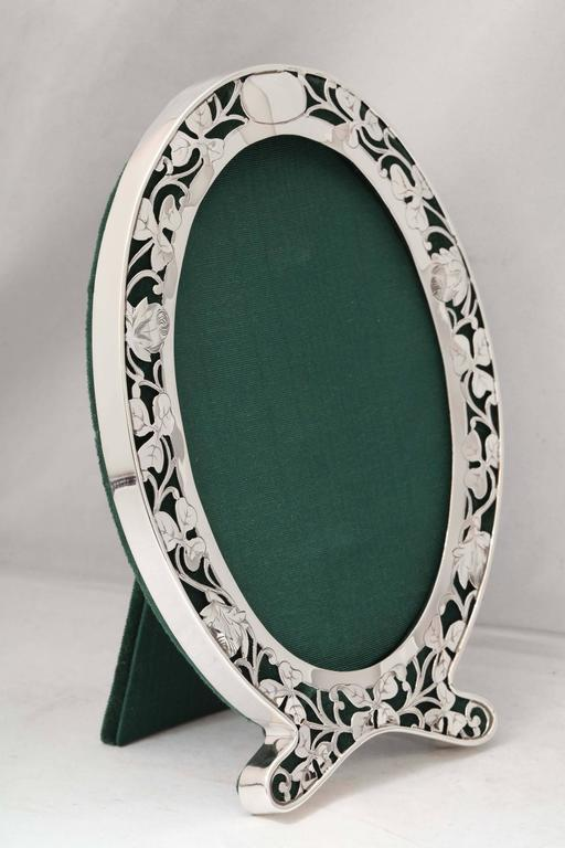 Art Nouveau Sterling Silver Pierced Footed Oval Picture Frame For Sale 4