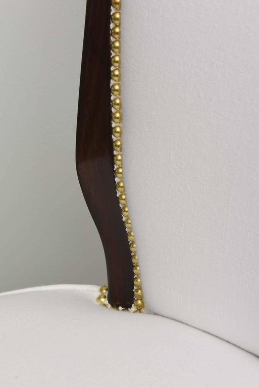 Set of Eight Italian Modern Palisander and Brass Dining Chairs, Osvaldo Borsani For Sale 4
