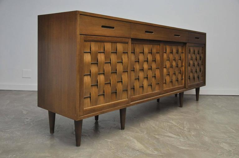 Dunbar Woven Front Credenza by Edward Wormley In Excellent Condition For Sale In Chicago, IL