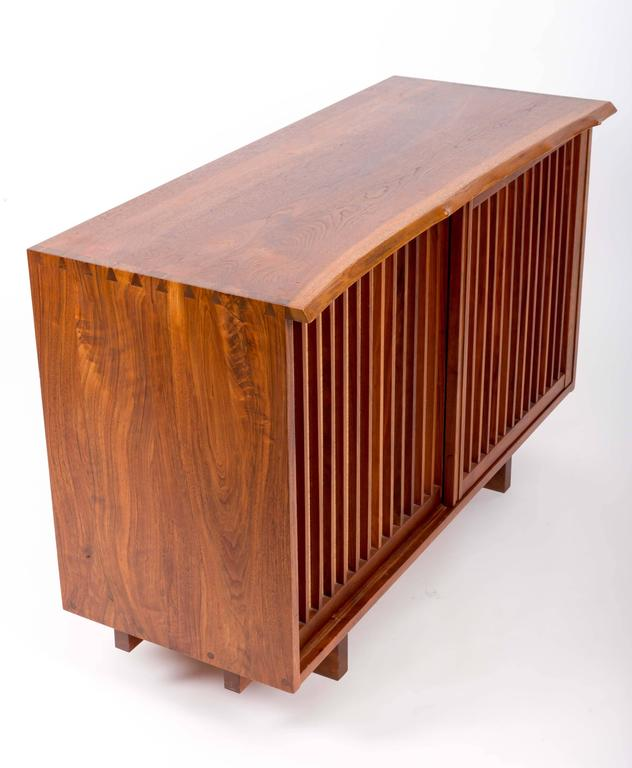 Walnut Cabinet by George Nakashima In Excellent Condition For Sale In Sea Cliff, NY