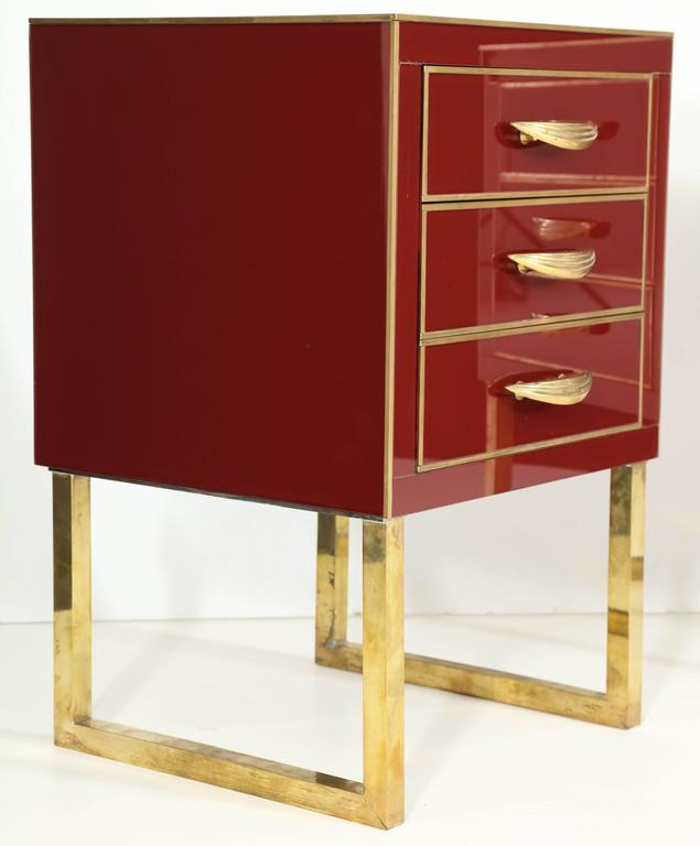 Rare Pair of Red Opaline Glass Nightstands with Brass Inlay, Italy In Excellent Condition For Sale In New York, NY