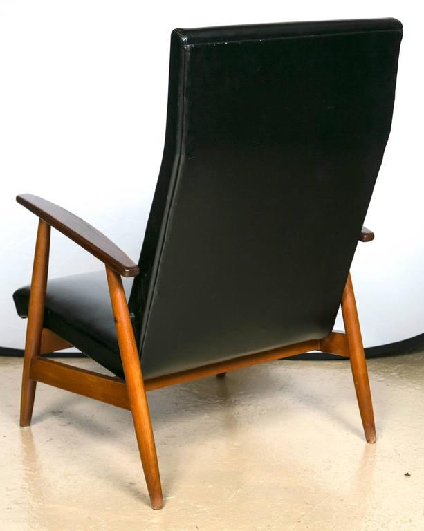 Pair of Mid Century Modern Scandinavian Teak and Black Lounge Chairs For Sale 2