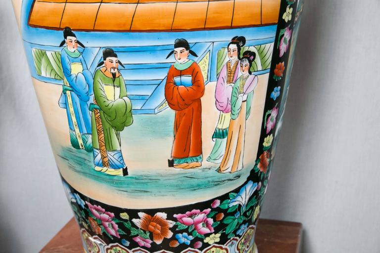 Large Pair of Chinese Porcelain Floor Vases In Excellent Condition For Sale In Woodbury, CT