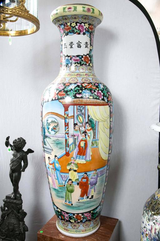 Large Pair of Chinese Porcelain Floor Vases For Sale 4