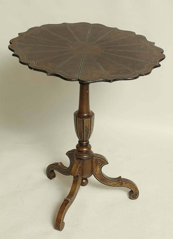 Swedish Faux Painted Scalloped Tilt-Top Table For Sale 3