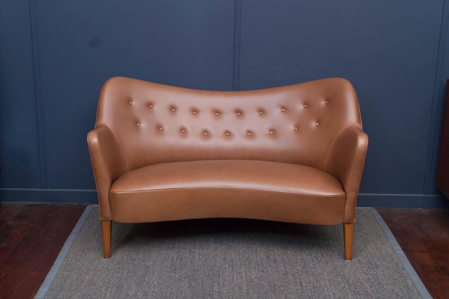 Danish Cognac Leather Sofa For Sale at 1stdibs : DSC0341z from www.1stdibs.com size 1500 x 998 jpeg 106kB
