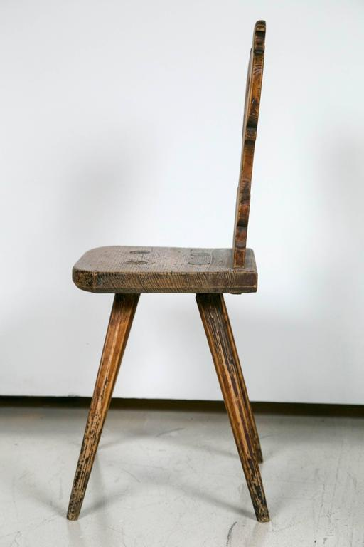 Folk Art Chair In Distressed Condition In Stamford, CT