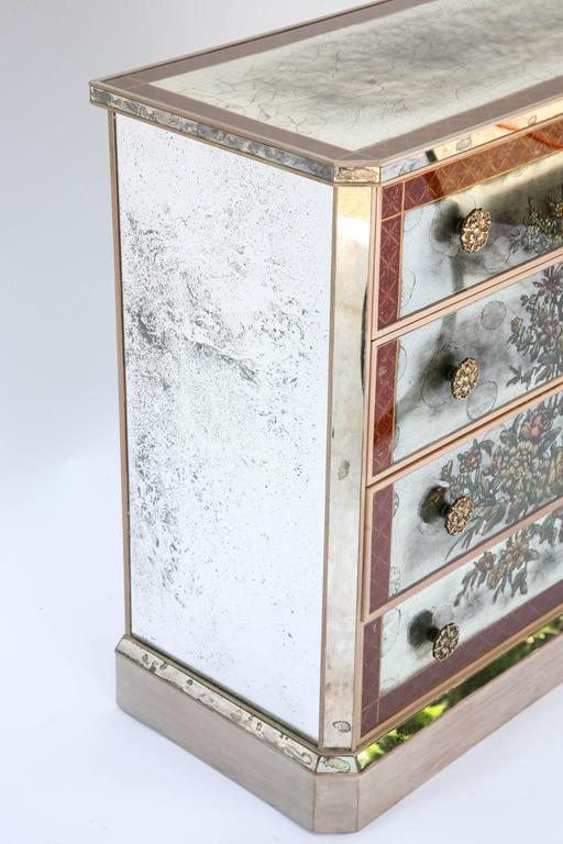 Italian Pair of Églomisé Mirrored Chest of Drawers, circa 1940s For Sale