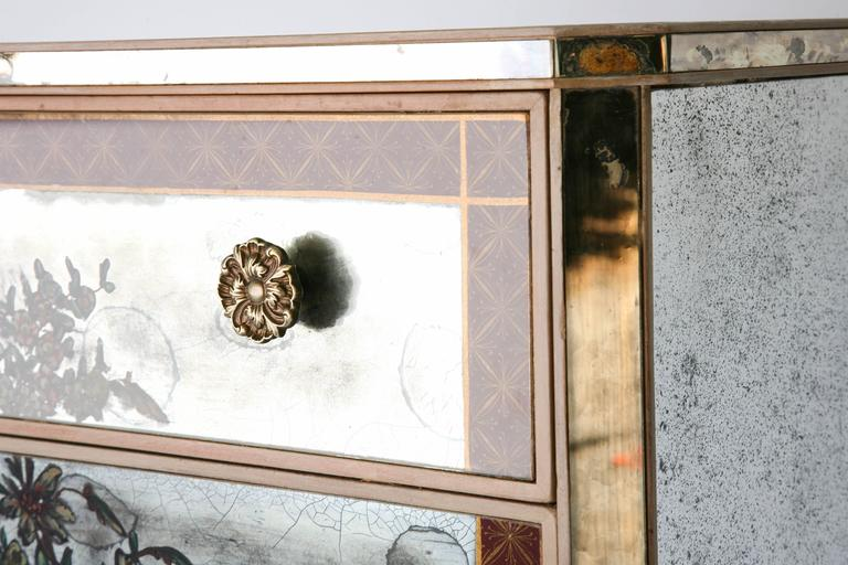 Pair of Églomisé Mirrored Chest of Drawers, circa 1940s In Excellent Condition For Sale In West Palm Beach, FL