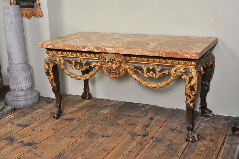 Mahogany and Parcel-Gilt Centre Table in the George II Style In Excellent Condition For Sale In London, GB