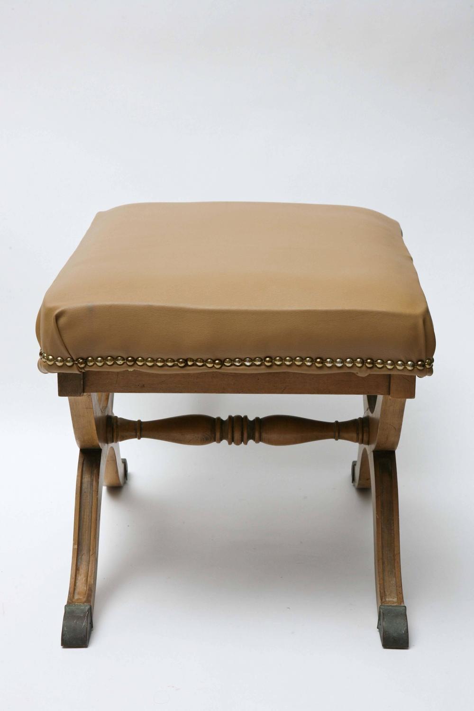 Pair Of Dorothy Draper For Henredon Stools 1960s For Sale At 1stdibs: Dorothy  House Furniture