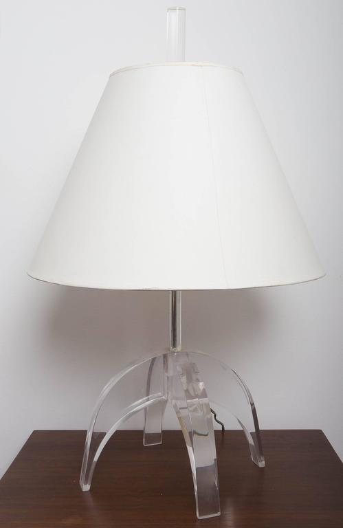 Pair of Lucite Lamps 6