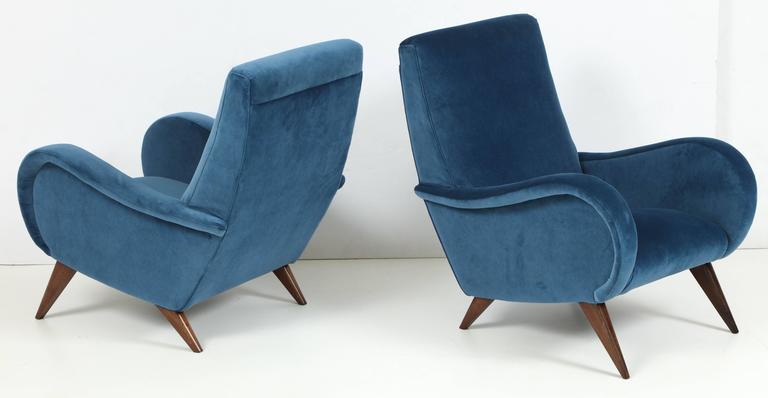 Pair of Mid-Century Italian Marco Zanuso style Armchairs in Blue Velvet 2