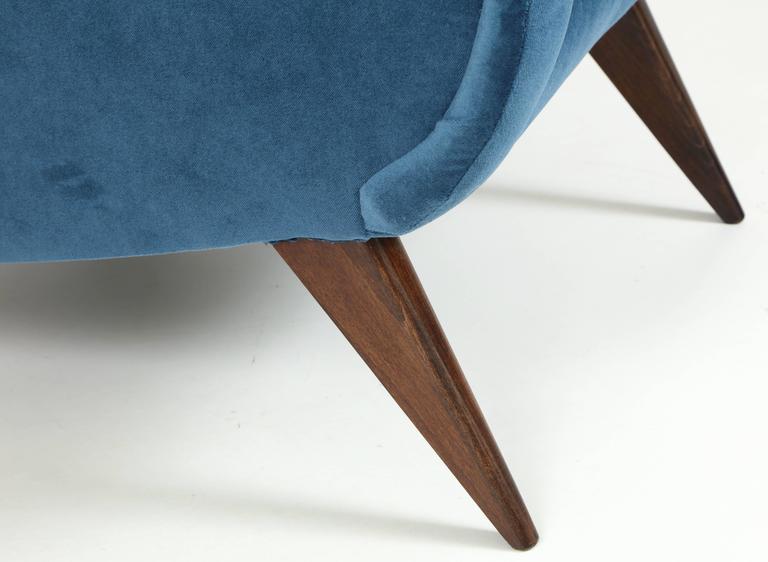 Pair of Mid-Century Italian Marco Zanuso style Armchairs in Blue Velvet 4
