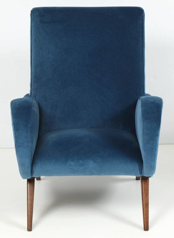 Pair of Mid-Century Italian Marco Zanuso style Armchairs in Blue Velvet For Sale 2