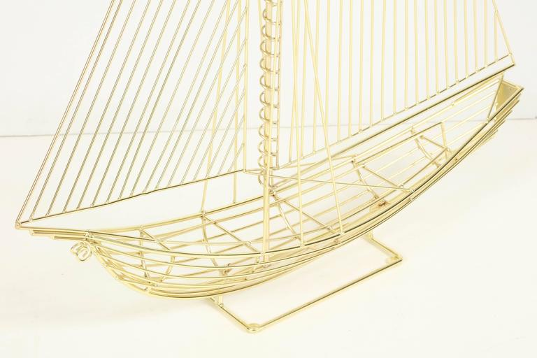 Large Signed Curtis Jere Polished Brass Sail Boat Sculpture In Excellent Condition For Sale In New York, NY