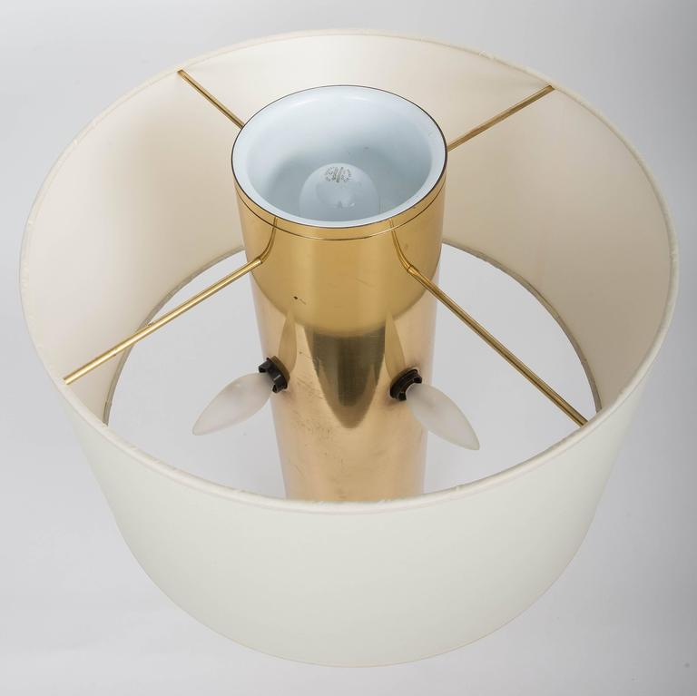 Round Modern Italian Brass Table Lamp For Sale 2