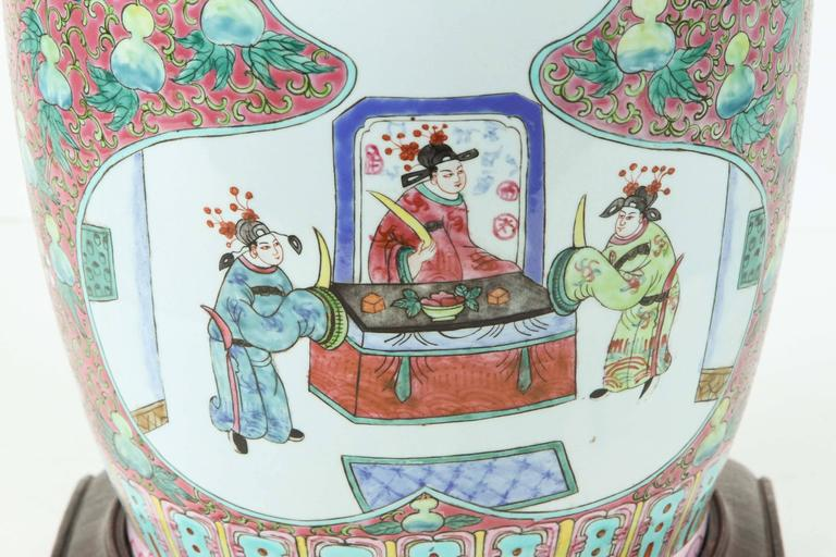 Hand-Painted Chinese Ceramic Table Lamp For Sale