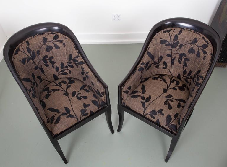 Pair of Decorative Tub Chairs Great Curved Back Supports In Good Condition For Sale In Southampton, NY