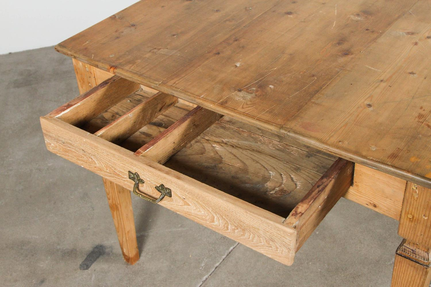 Rustic italian pine farm table for sale at 1stdibs for Rustic farm tables for sale