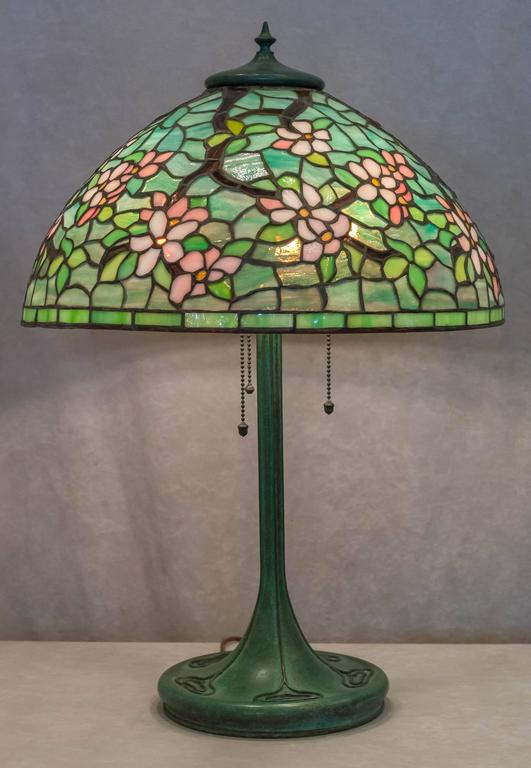 Full Floral Quot Apple Blossom Quot Leaded Glass Table Lamp By