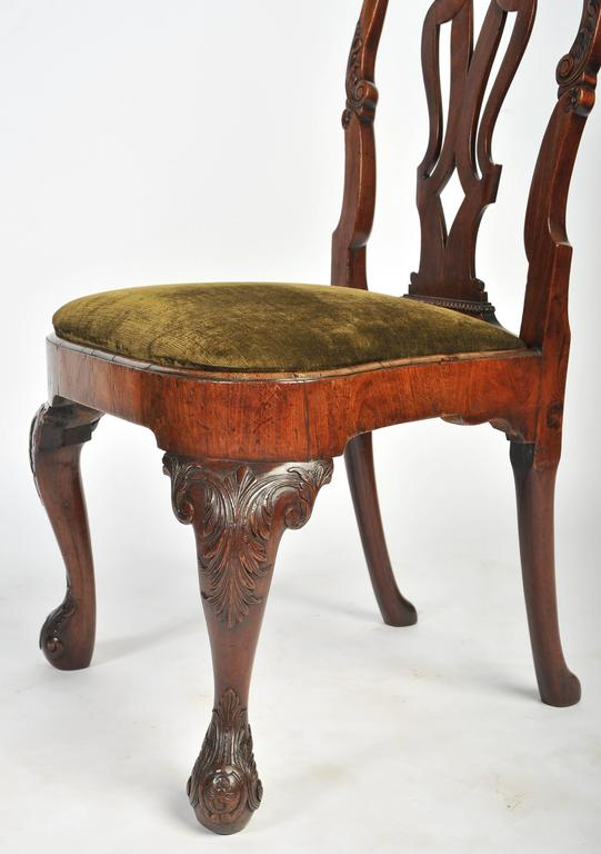 Set of Six George I Red Walnut Chairs In Good Condition For Sale In Brighton, Sussex