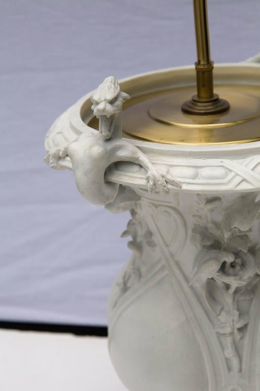 Mid-19th Century French Porcelain Urn as a Table Lamp For Sale 2