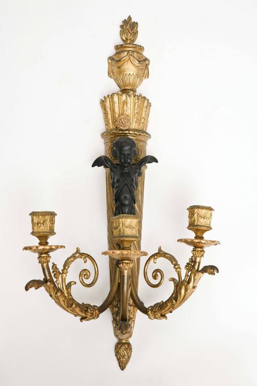 Fine Pair of 19th Century French Bronze Sconces In Good Condition For Sale In West Palm Beach, FL