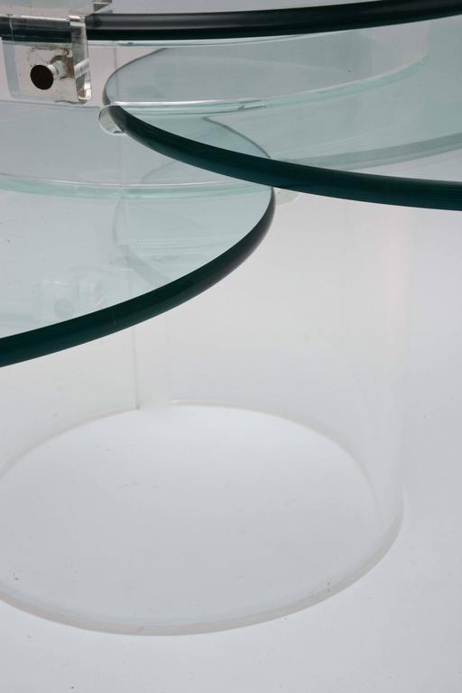 Three-Tiered Lucite Coffee Table, 1970s, USA For Sale 2