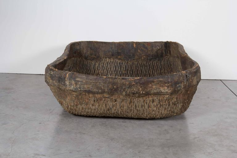 Large Handmade  Woven Basket In Good Condition For Sale In New York, NY