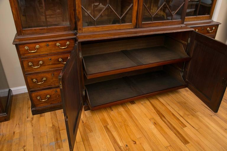 Rare Pair of a George III Mahogany Breakfront Library Bookcases For Sale 4