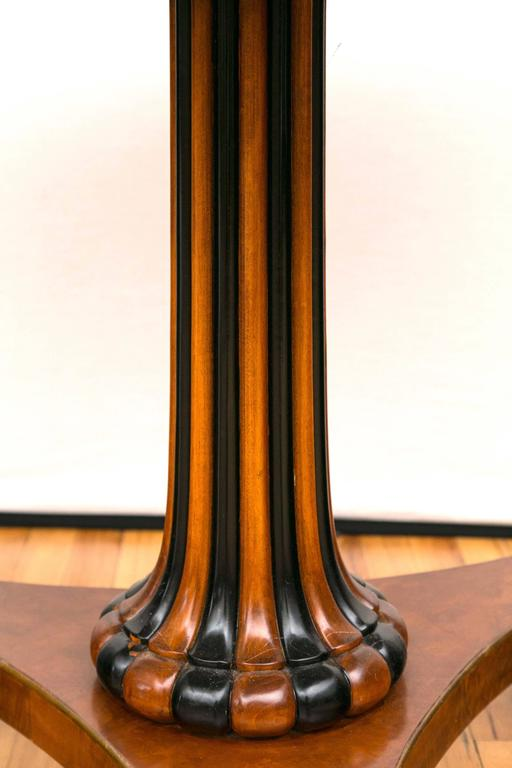 Unknown Pair of Regency Style Parcel Gilt and Ebonized Pedestal Tables For Sale
