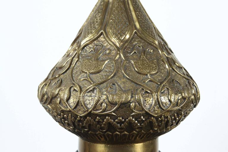 Moorish Indo Persian Brass Table Lamp In Good Condition For Sale In North Hollywood, CA