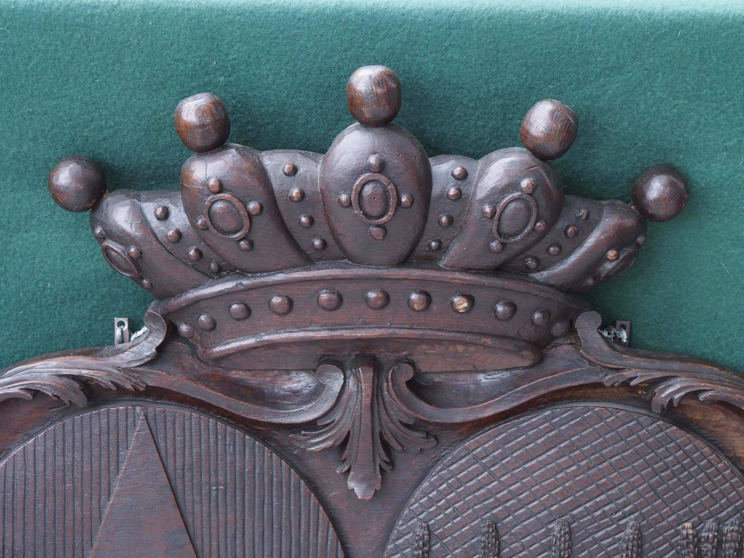 Carved Stone Crown : Carved wood amorial crest with lion crown and unicorn for