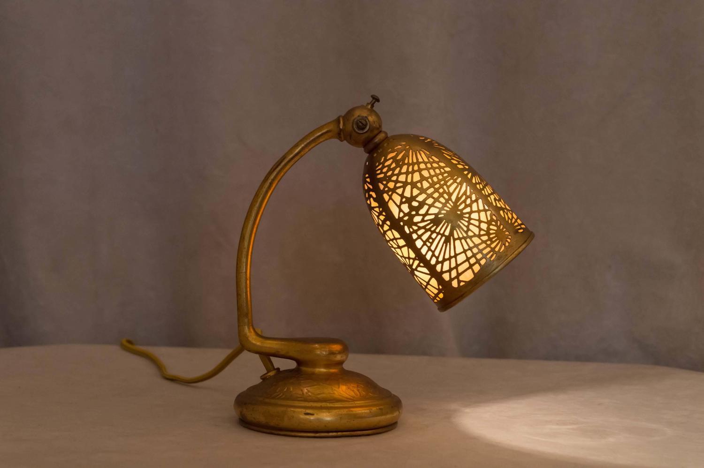 Tiffany Studios Gilt Bronze Pine Needle Desk Lamp For Sale