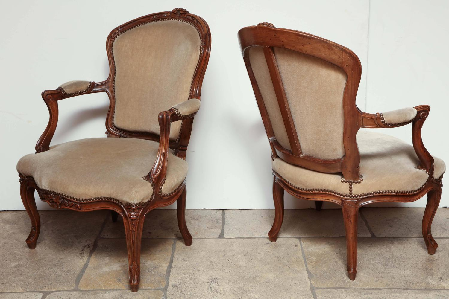 Pair Of Carved Louis Xv Fauteuil For Sale At 1stdibs